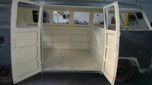 VW Camper Van 14